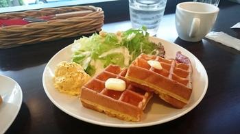 R.L WAFFLE CAFE (3).JPG