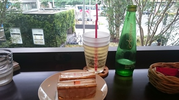 R.L WAFFLE CAFE (4).JPG